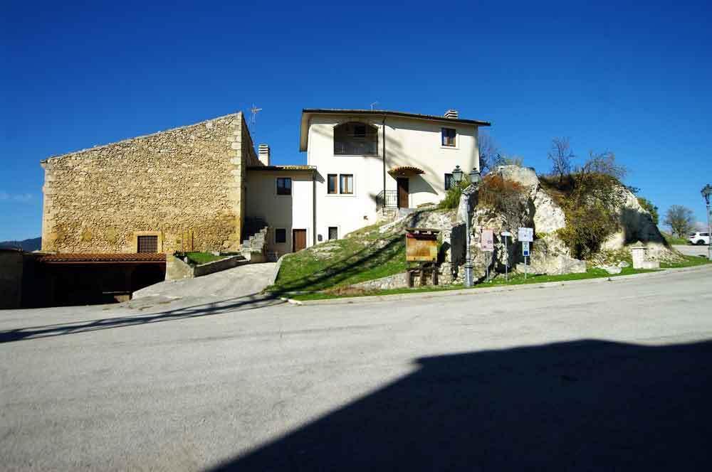 Borgo-di-Navelli-12