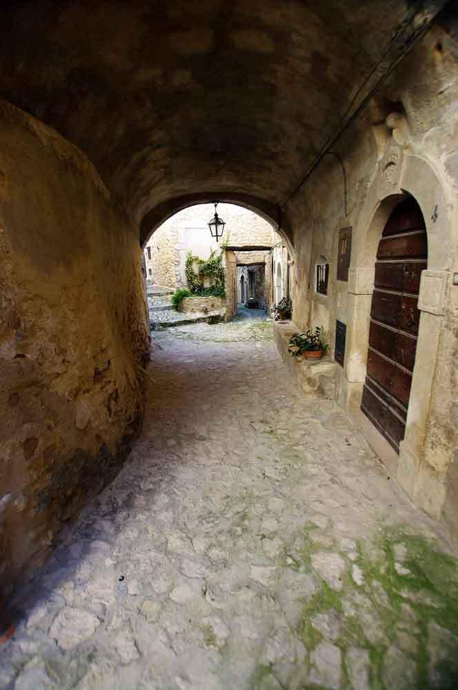 Borgo-di-Navelli-19