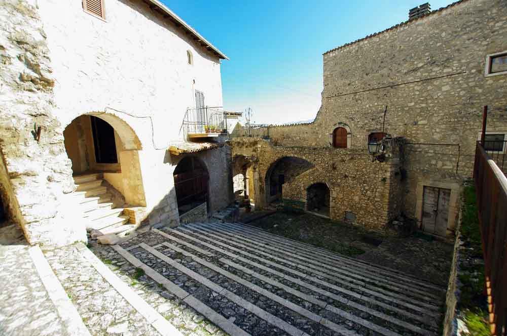 Borgo-di-Navelli-29
