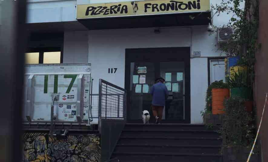 Daniele-Frontoni_Enzo-Cerusico_La-Protesta-Silenziosa-di-Pizzeria-Frontoni_9