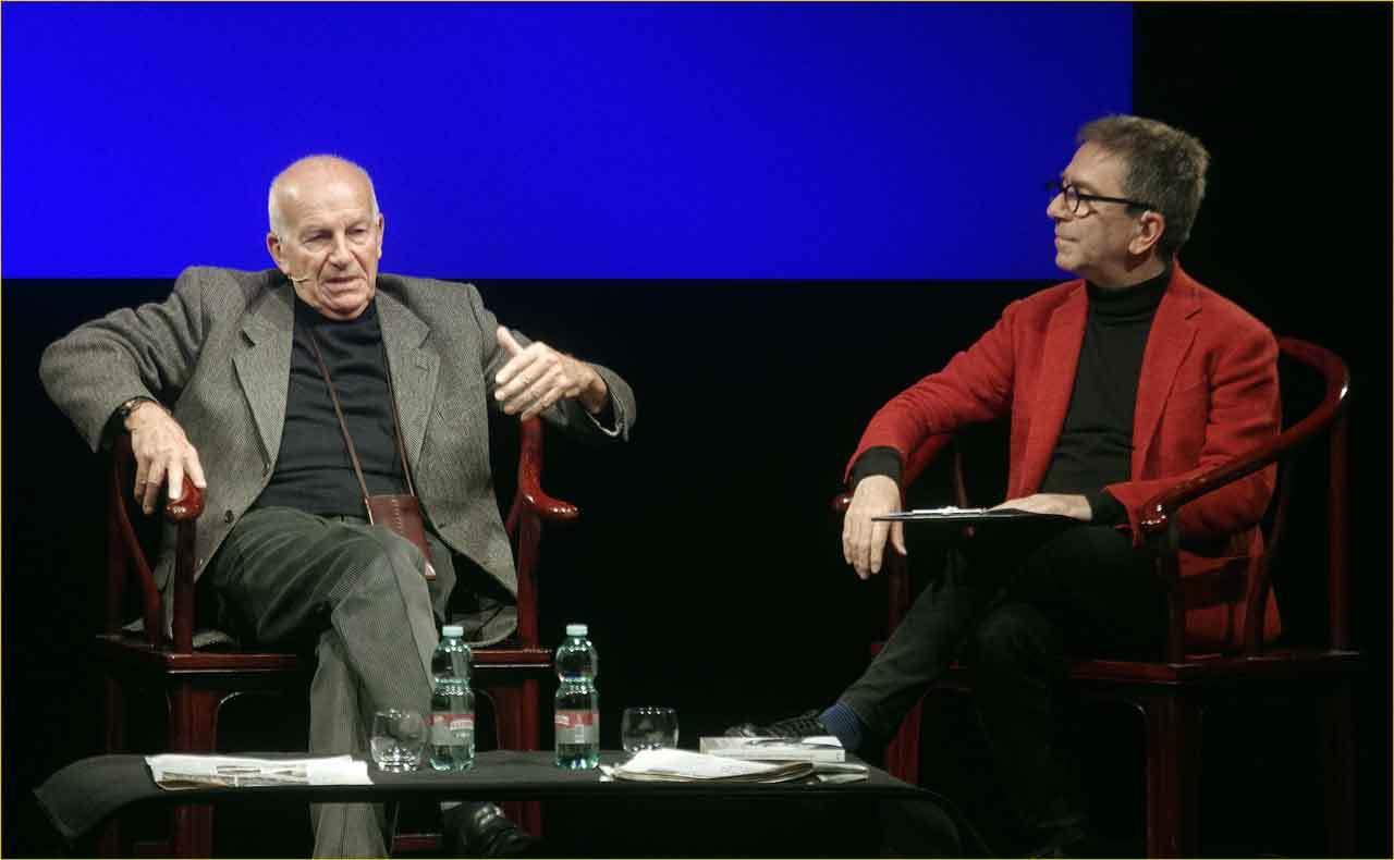 Off-Off-Theatre-Fausto-Bertinotti-intervistato-da-Pino-Strabioli-11