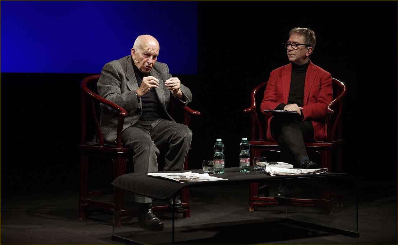 Off-Off-Theatre-Fausto-Bertinotti-intervistato-da-Pino-Strabioli-2