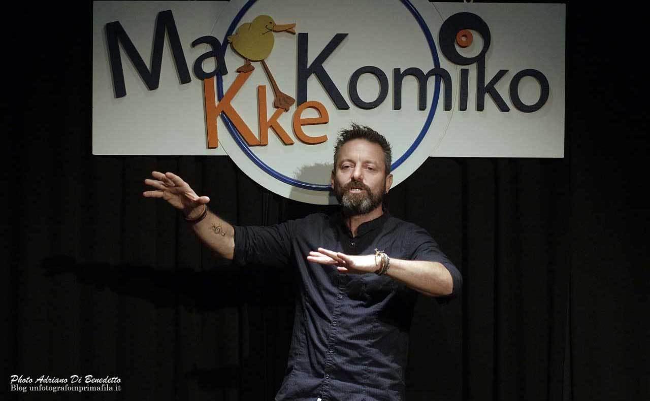 Makkekomico-Teatro-Accento-Adriano-Di-Benedetto-1