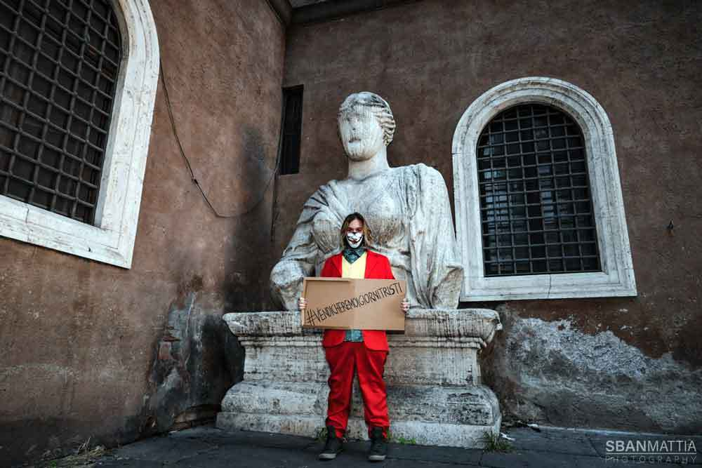 Daniele-Frontoni_Pasquino-vestito-da-Giocher_ph-Mattia-Mirenda-2