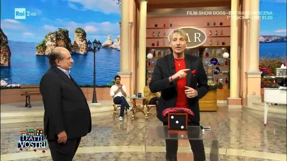 Mago Heldin torna in tv con la magia.