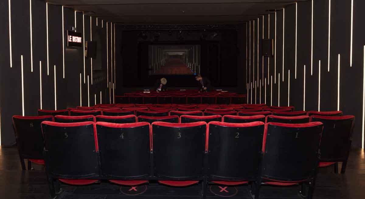 """""""Illuminare i teatri è illuminare la vita""""."""
