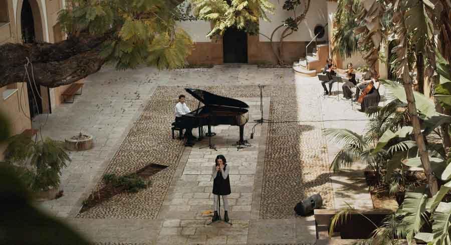 Music For Uncertain Times di Andrea Lai